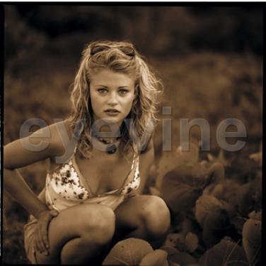 Эмили де рэвин голая фото